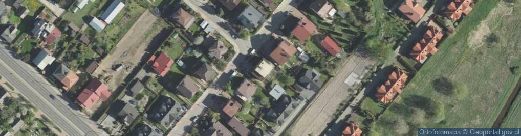 Zdjęcie satelitarne Saturna ul.
