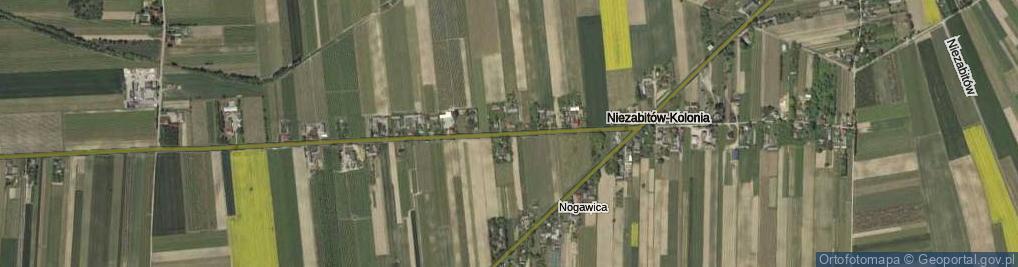 Zdjęcie satelitarne Niezabitów-Kolonia ul.