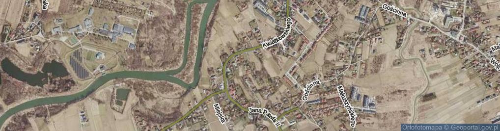 Zdjęcie satelitarne Papieska ul.