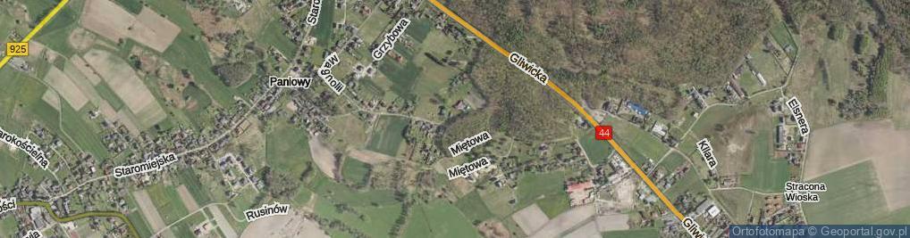 Zdjęcie satelitarne Zrębowa ul.