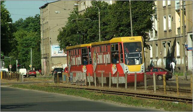 Łodź, Wojska Polskiego, modernizovaná tramvaj Konstal, Łódź 91-432 - Zdjęcia
