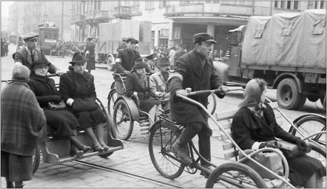 Bundesarchiv Bild 101I-134-0778-13, Polen, Ghetto Warschau, Straßenszene 00-891 - Zdjęcia