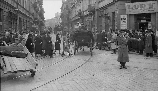 Bundesarchiv Bild 101I-134-0796-31, Polen, Ghetto Warschau, Ghettopolizist 00-145 - Zdjęcia