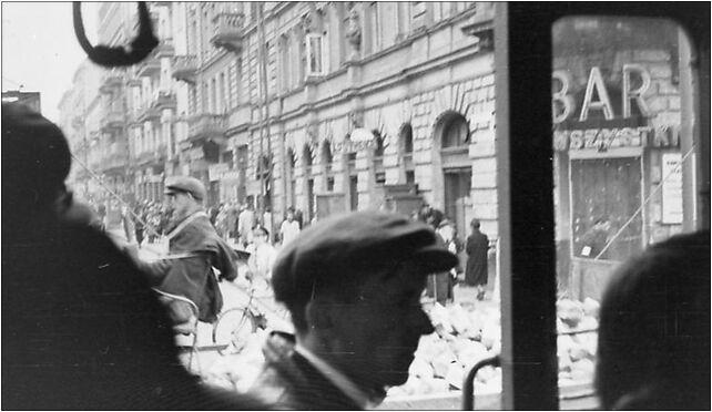Bundesarchiv Bild 101I-270-0298-15, Polen, Ghetto Warschau, Straßenszene 00-867 - Zdjęcia