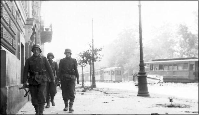 Bundesarchiv Bild 101I-695-0425-25, Warschauer Aufstand, Soldaten auf Straße 00-063 - Zdjęcia