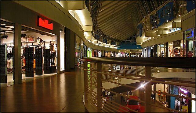 Manufaktura galeria handlowa nocą Łódź, Ogrodowa, Łódź od 91-062 do 91-065 - Zdjęcia