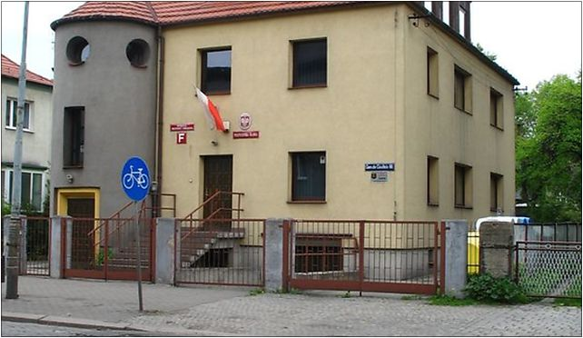 Politechnika Śląska Wydział Organizacji i Zarządzania budynek F (Nemo5576) 41-800 - Zdjęcia