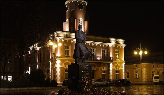 Ratusz w Częstochowie nocą, Aleja Najświętszej Maryi Panny 45 42-217 - Zdjęcia