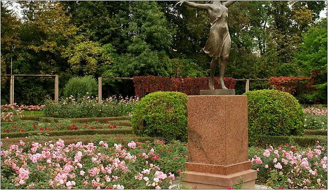 Tancerka Park Skaryszewski Warszawa, Waszyngtona Jerzego, al. od 03-922 do 03-939 - Zdjęcia