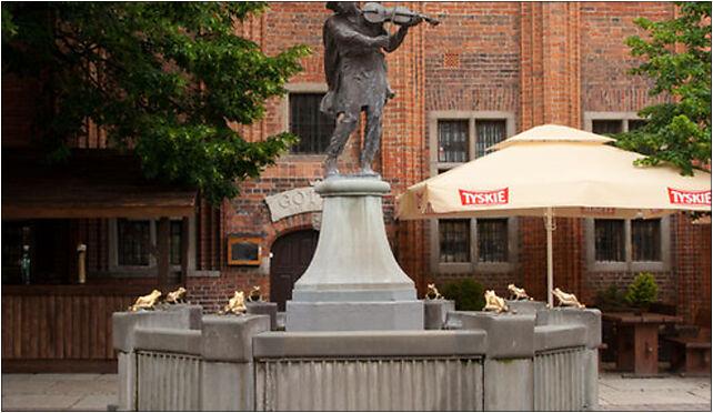 Toruń - Pomnik Flisaka Iwo 01, Staromiejski Rynek 6, Toruń 87-100 - Zdjęcia