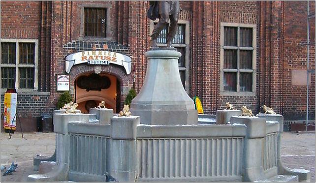Torun pomnik Flisaka, Staromiejski Rynek 6, Toruń 87-100 - Zdjęcia