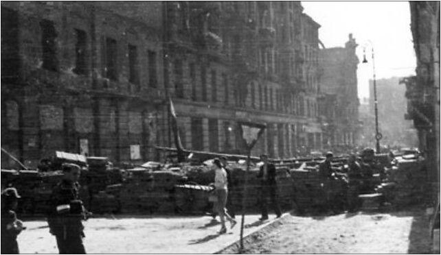 Warsaw Uprising by Lokajski - Barricade at at Bracka St - 3297 00-028 - Zdjęcia