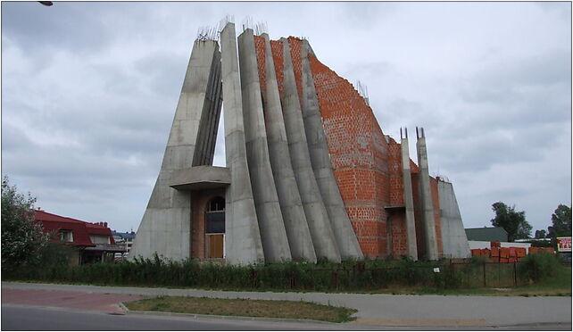 Warszawa-Zacisze-Kościół-Św-Barnaby-Apostoła-w-budowie-podkaster 03-684 - Zdjęcia